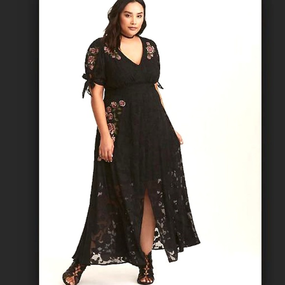 75c1807d92b1 Torrid FLORAL EMBROIDERED Chiffon maxi dress plus